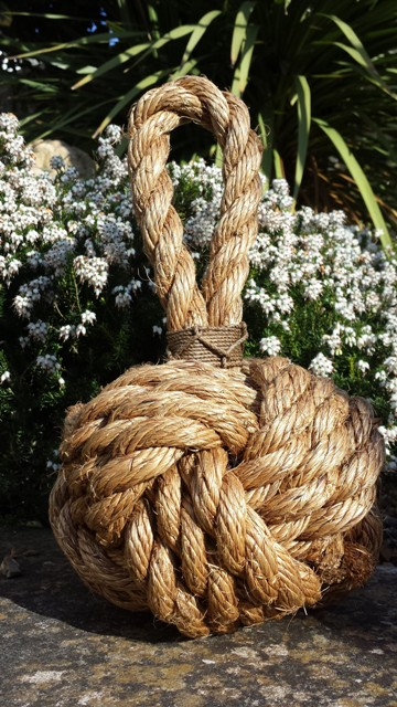 rope knot decor outside